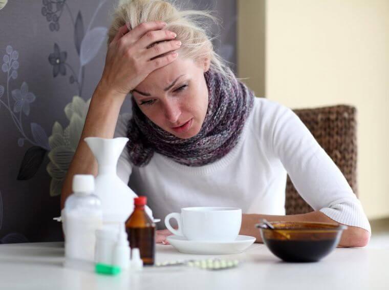 Для сухого и продуктивного кашля требуются разные типы лекарственных препаратов (фото: kto-chto-gde.ru)