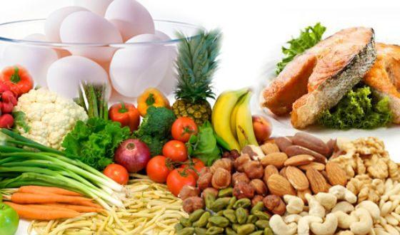 Кроме черники и моркови, зрению помогают рыба, орехи, яйца и овощи