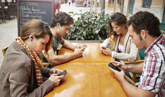 Если ваши встречи напоминают такое, стоит поговорить с друзьями по душам