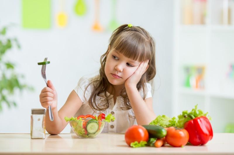 Самые проверенные способы, как приучить ребенка к овощам