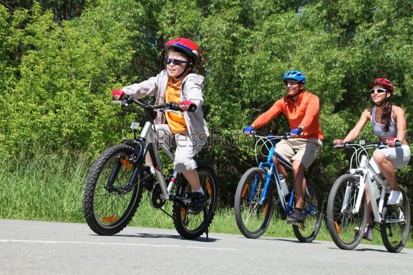 Рекомендации по физической активности у взрослых и детей
