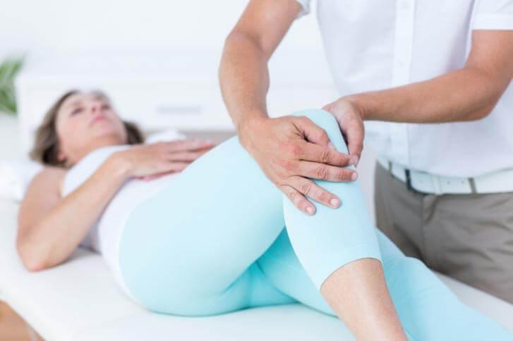 Боль в колене симптомы лечение