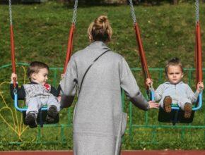 УзнавайТут Медведев предложил увеличить детские пособия в 200 раз