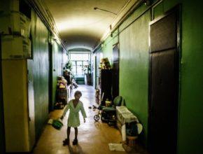 УзнавайТут Четверть детей в России оказались за чертой бедности