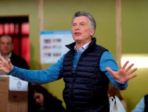 УзнавайТут Президент Аргентины снизил подоходный налог и заморозил цены на бензин