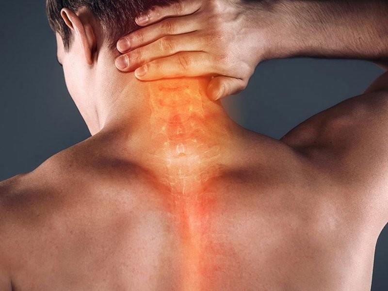 Массирование шеи в момент боли может довести до инсульта