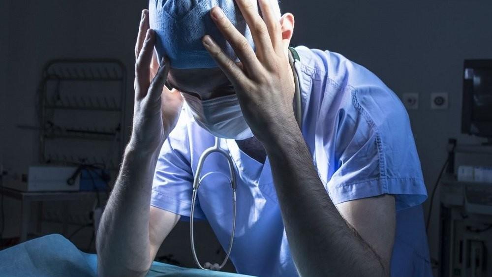 Вылечив коронавирус заставил плакать врачей